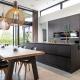 Zwarte moderne keuken van Beda Keukens